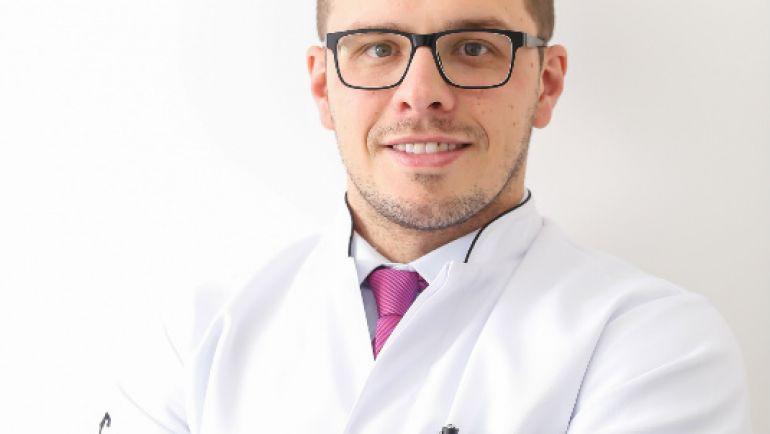 Dr. Marcos Furman